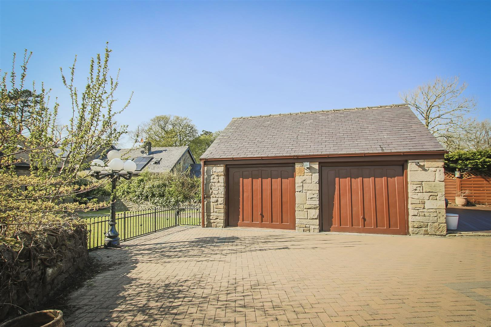 4 Bedroom Barn Conversion For Sale - Image 33